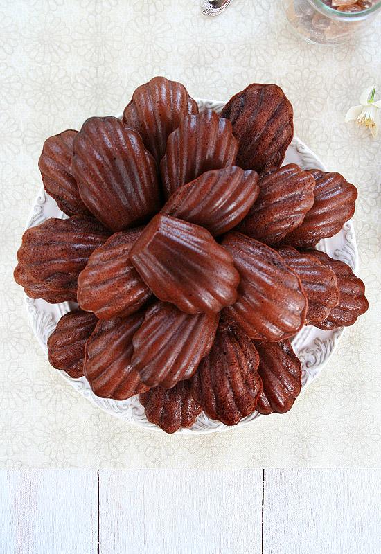 Madeleines de chocolate y azahar