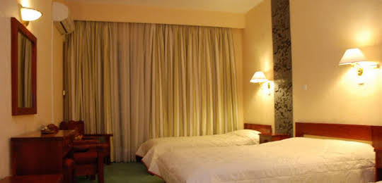 Dryas Hotel