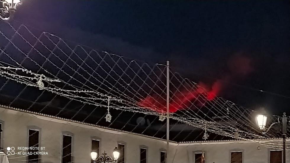 Imagen desde el municipio de Berja del fuego en la Sierra de Gádor.