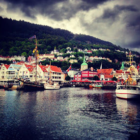by Fredrik A. Kaada - Instagram & Mobile iPhone ( Bergen, norge, HDR, ilovenorway, city, boats, dramatic, sky, love, TFLers, followme, follow4follow, like4like, look, instalike, igers, picoftheday, instadaily, instafollow, like, iphoneonly, bestoftheday, instacool, instago, all_shots, webstagram, colorful, style, swag )