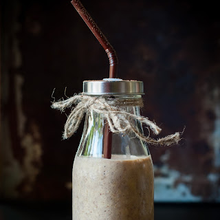 Cocoa-Almond Smoothie