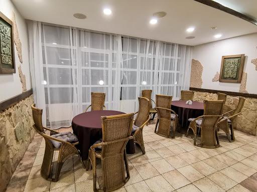 Зал для свадьбы в Тропикана Парк за городом в Подмосковье 2
