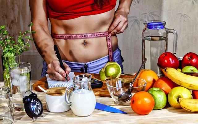 Thay đổi lối sống - ăn uống khoa học sẽ giúp bạn duy trì được một vóc dáng săn chắc, khỏe mạnh.