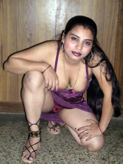Sexy Indian Aunties, Sexy Indian Aunties stills, Sexy Indian Aunties ...