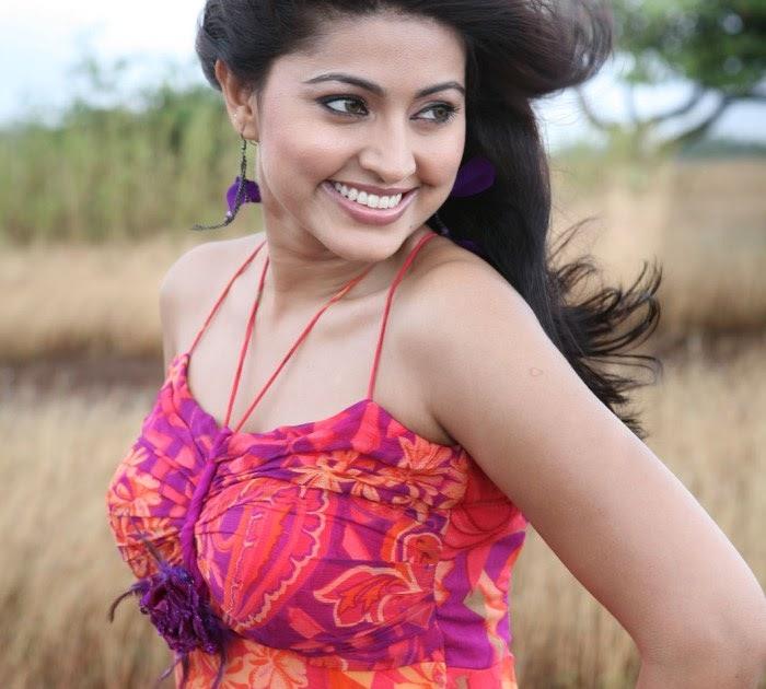 Sneha-Vaibhav Hot Goa Movie Stills