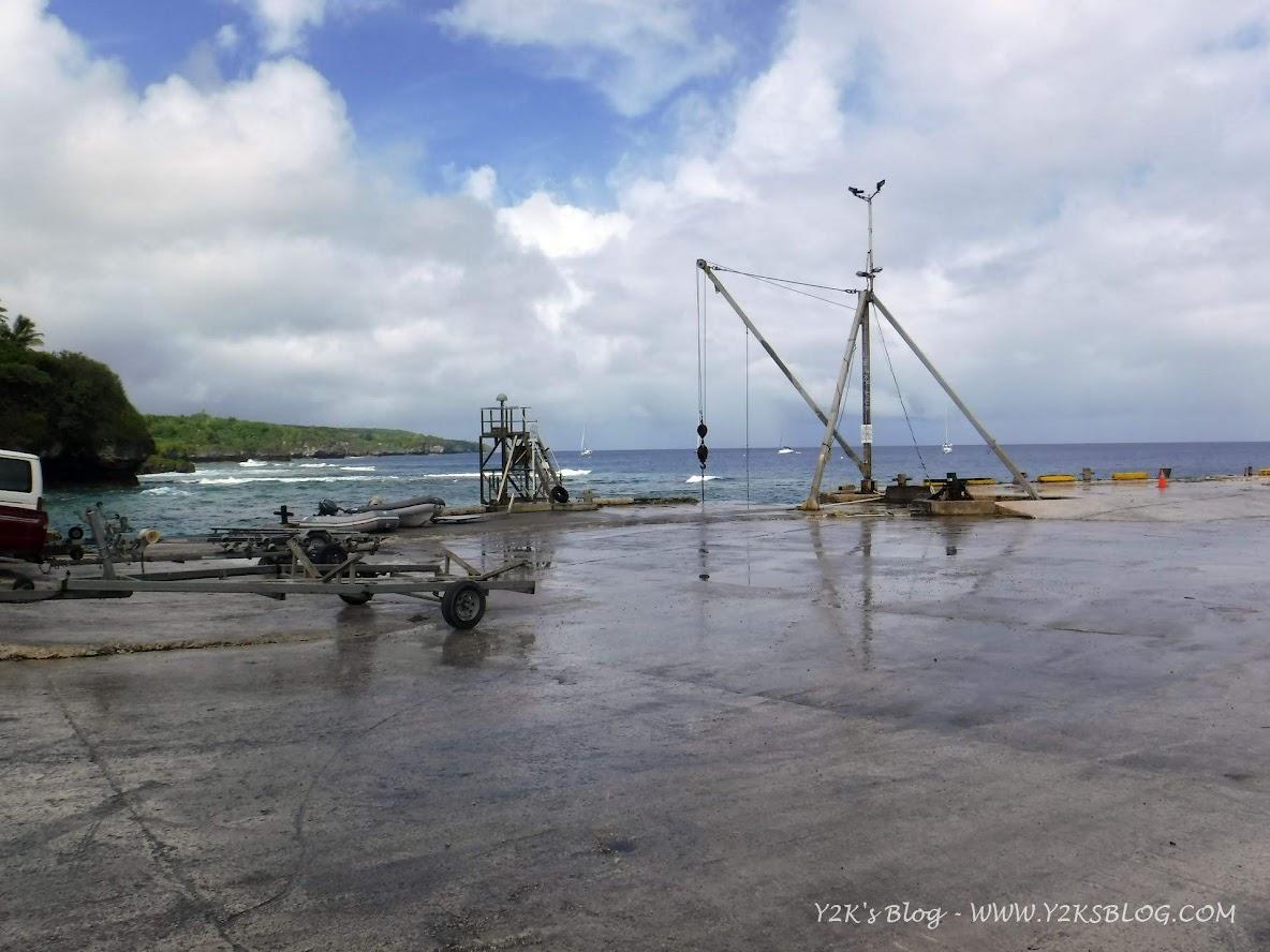 "A sx i dinghy ""parcheggiati"" - Niue"