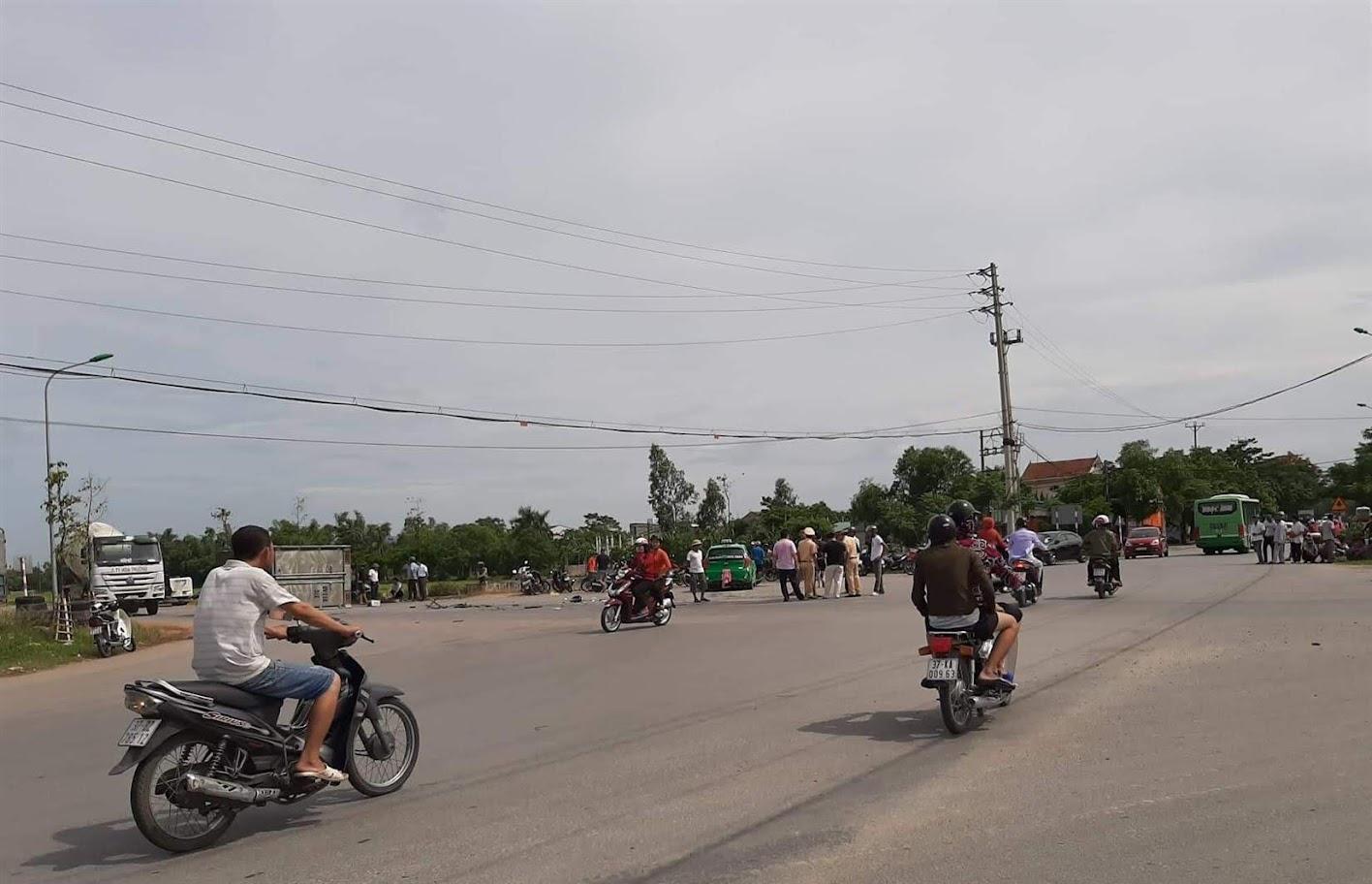 1 vụ tai nạn xảy ra tại khu vực đường Lê Viết Thuật giao với đường 35 m
