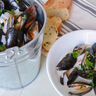 White Wine Garlic Cream Mussels Recipes