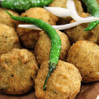 Gujarat Na Daal Vada - Spicy Lentils Deep Fried Fritters ! Recipe