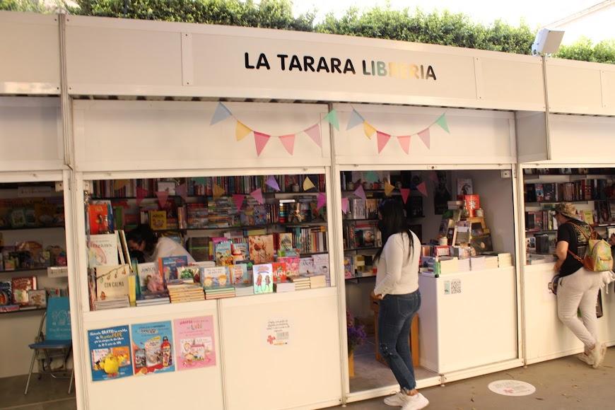 Stand de la Tarara Librería.