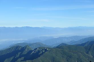 右奥から北アルプス・乗鞍岳・中央アルプスなど