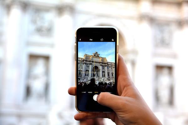 Fontana di Trevi vista da uno smartphone di akidelpre