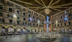 La fontana di P.zza Colombo - Genova - Paludata a festa...