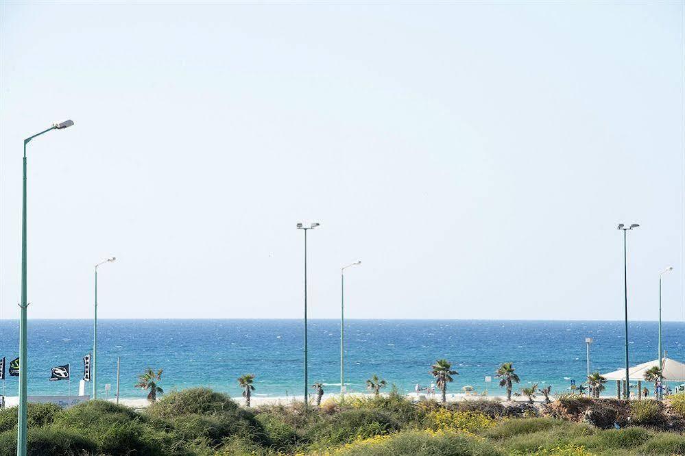 Q Village - Poleg Beach