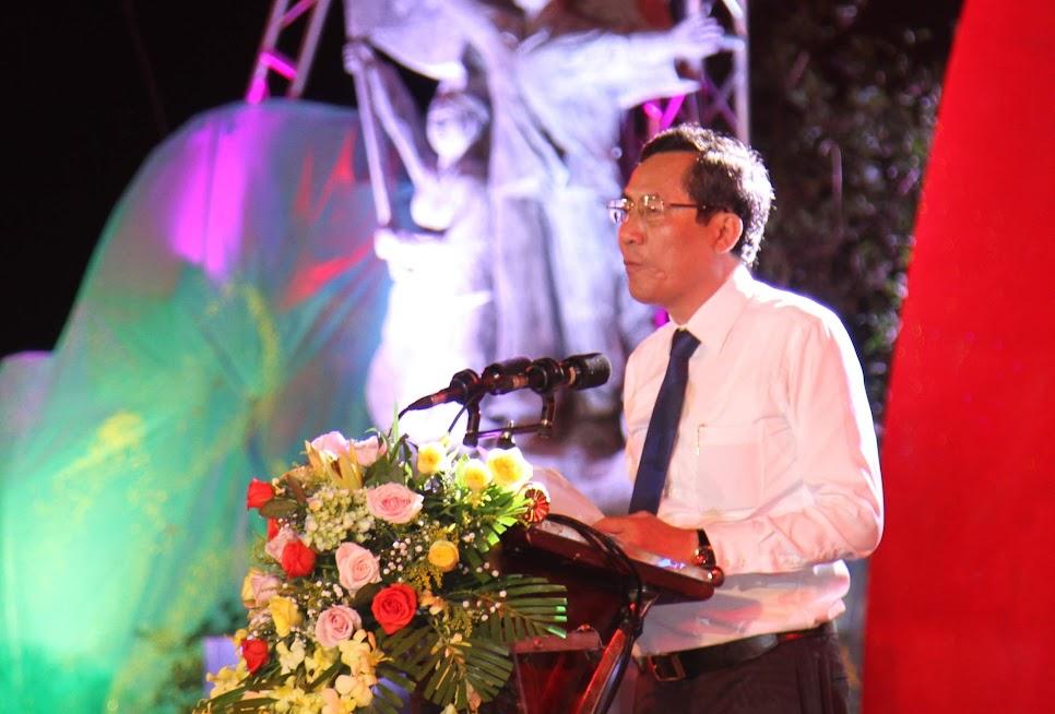 Đồng chí Thuận Hữu, Tổng Biên tập Báo Nhân Dân phát biểu khai mạc