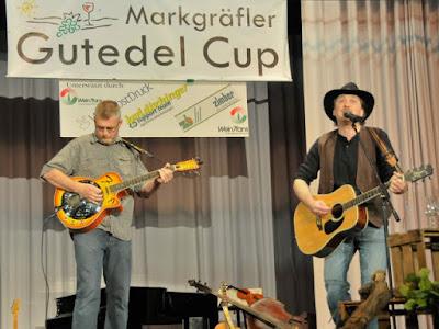 Karl David (l.) und Martin Lutz unterhielten mit alemannischen Songs.
