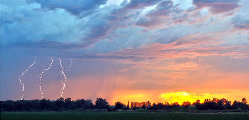 Photo: AccuFan Weather Photo of the Day: Sunset Lightning on July 12, 2012 in Sedro Woolley, Washington by i8seattle http://ow.ly/cgKHC