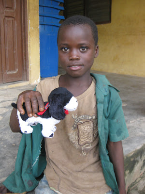 Dog Meets World - PhoDOGrapher and Kiva Fellow Maia Pelleg in Ghana