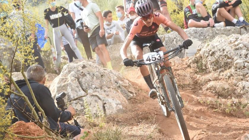 La campeona andaluza llegando a meta.