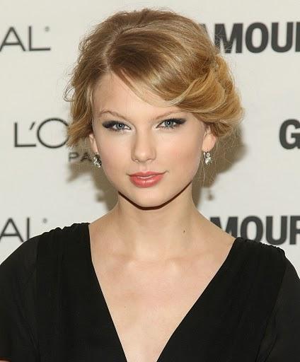 Messy-Locks-Bridesmaid-Hairstyle-ala-Taylor-Swift