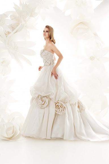 htr87 ; elegant wedding gown fall tradition