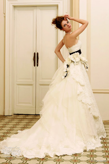 Exciting ; Classic Bridal Gown Dress