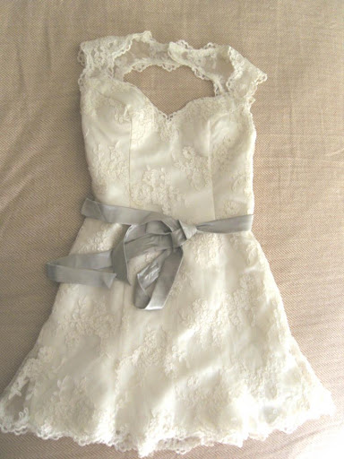 Whimsical' Short Wedding Gown