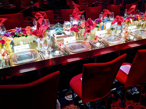 Presidential dinner for the George W. Bush we got you.  Event planning, production and rentals in Las Vegas.  By Dzign is the source for all your event needs.