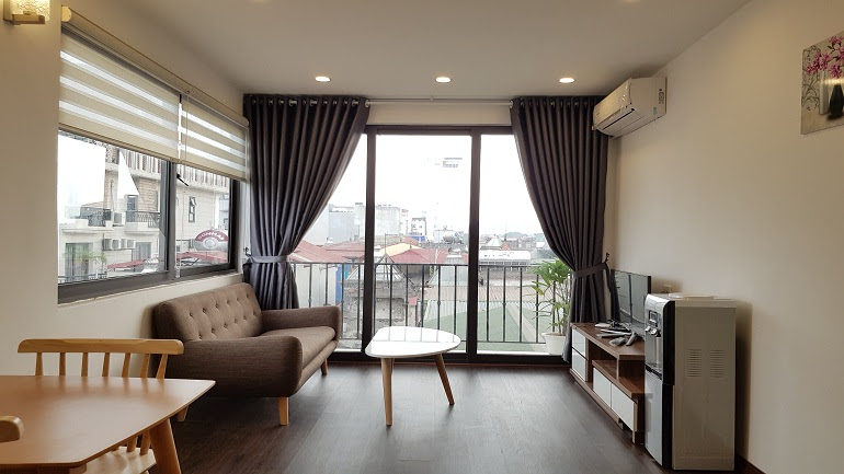 Bright 1 – bedroom apartment with balcony in Linh Lang street, Ba Dinh district for rent