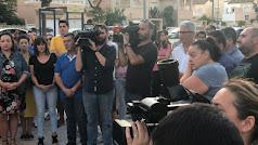 Vecinos se concentran en Huércal de Almería.