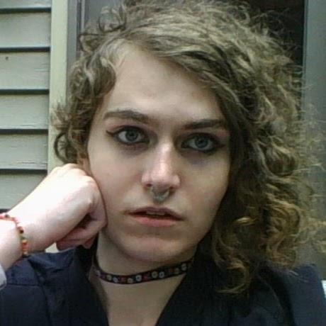 Julie Pelham's avatar