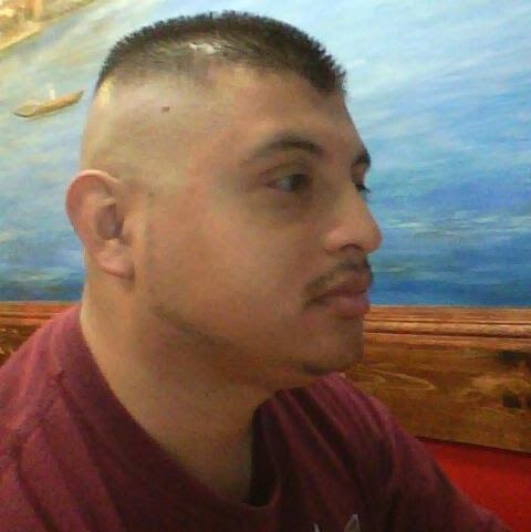 user Walter Flores apkdeer profile image