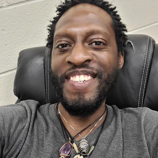 user Malcolm Tinker apkdeer profile image