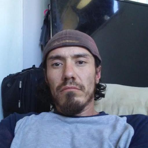 user Antonio Miller apkdeer profile image