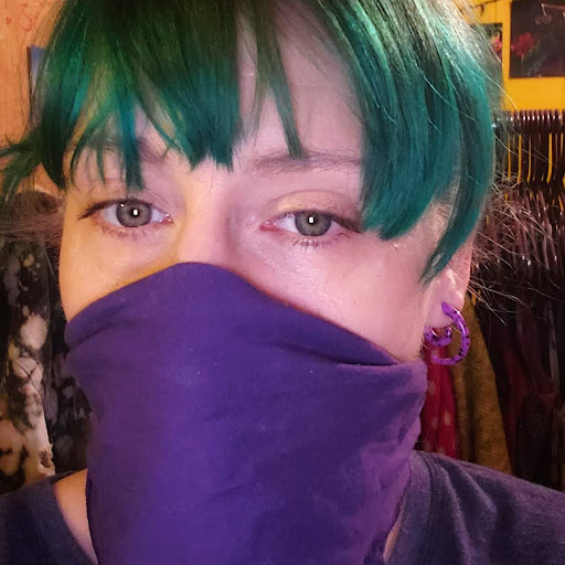 user Freya's Fernweh Treasures apkdeer profile image