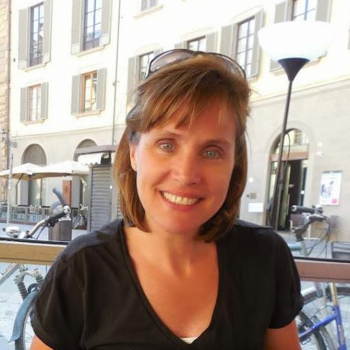 user Deborah Donlea apkdeer profile image