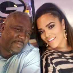 user Julie apkdeer profile image