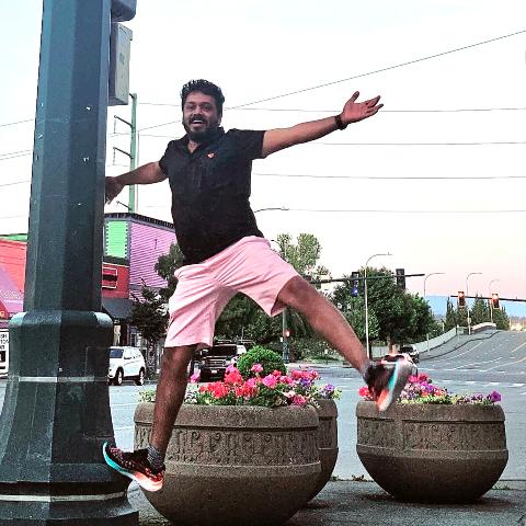 user Manikandan apkdeer profile image