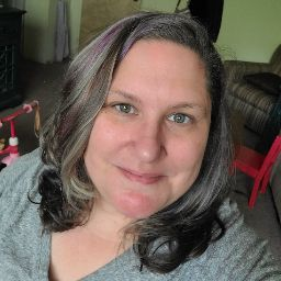 user Stacy F apkdeer profile image