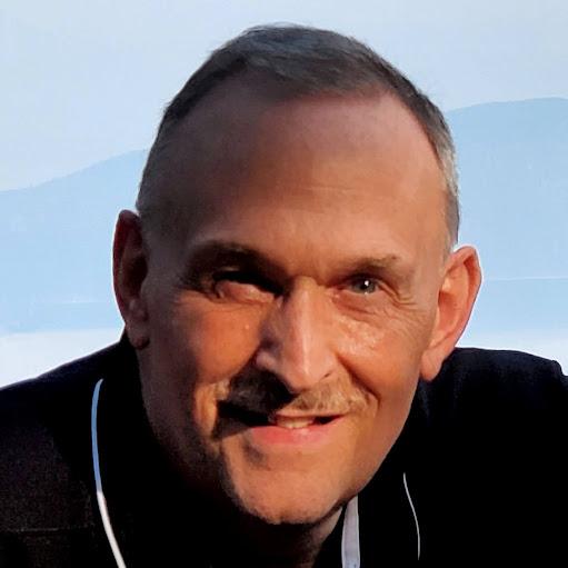 user Lon Erickson apkdeer profile image