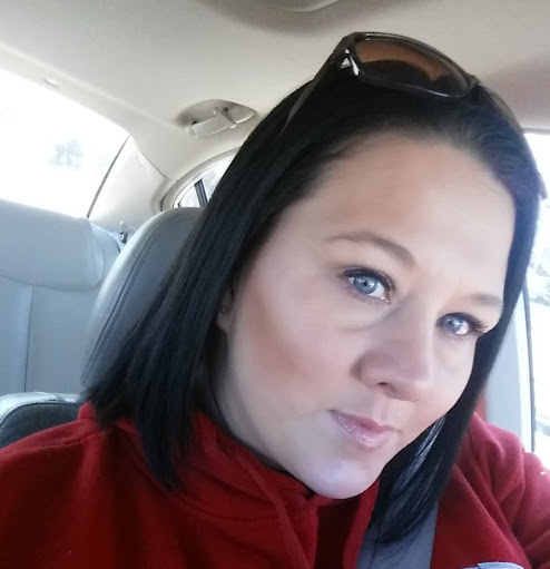 user Melissa Widener apkdeer profile image