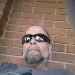 user Richard Miller apkdeer profile image