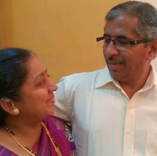 user Ravindra Pathak apkdeer profile image