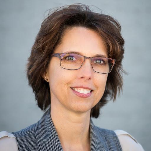 user Shelley Foos apkdeer profile image
