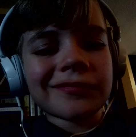 user Samuel Henderson apkdeer profile image