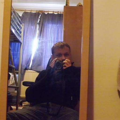 user Alex Washington apkdeer profile image