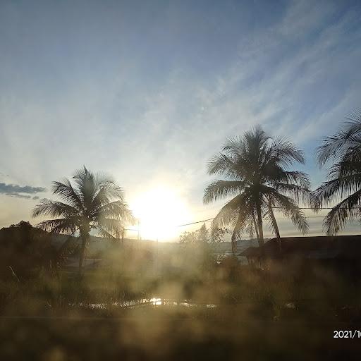 user Khairunnisa Mansius apkdeer profile image