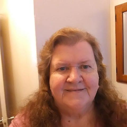 user Bobbi Banks apkdeer profile image