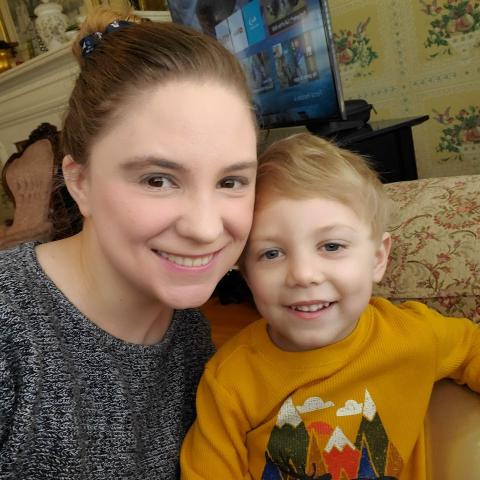 user Jessica Hawley apkdeer profile image