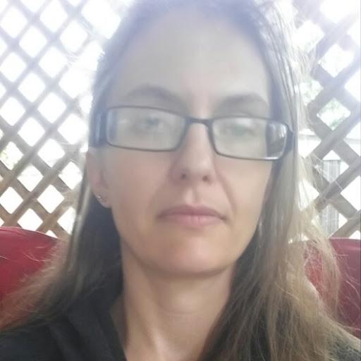 user Heather Mougeot apkdeer profile image